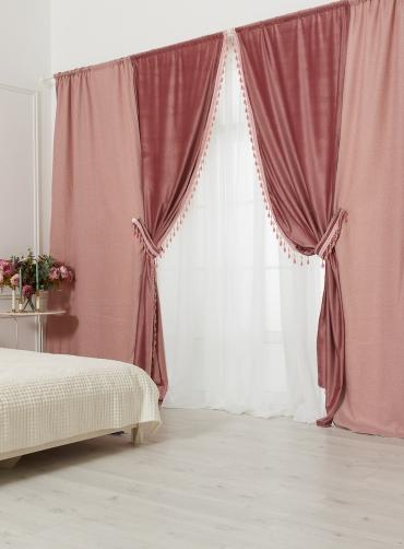 Шторы розовые с розовыми бусами